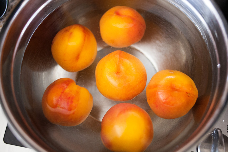 It's peach season! Here's a quick, easy way to peel peaches without a peeler! Get ready for peach cobbler and peach jam and peach ice cream!