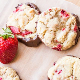 Strawberry Chocolate-dipped Cookies