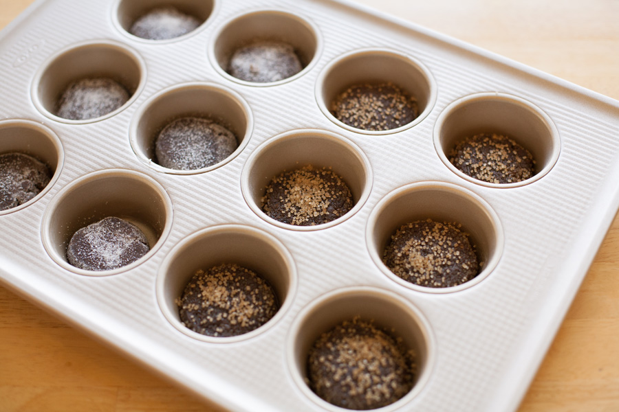oxo-muffin-pan-with-cookies