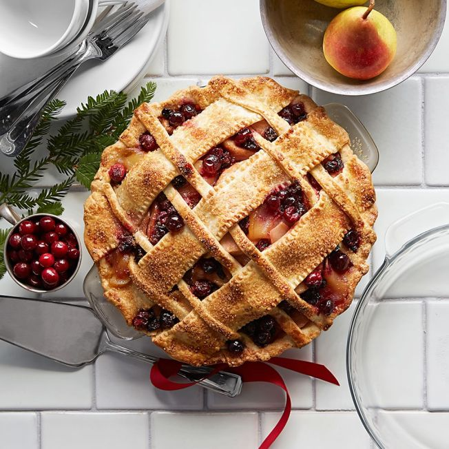 pear-cranberry-pie-652x652