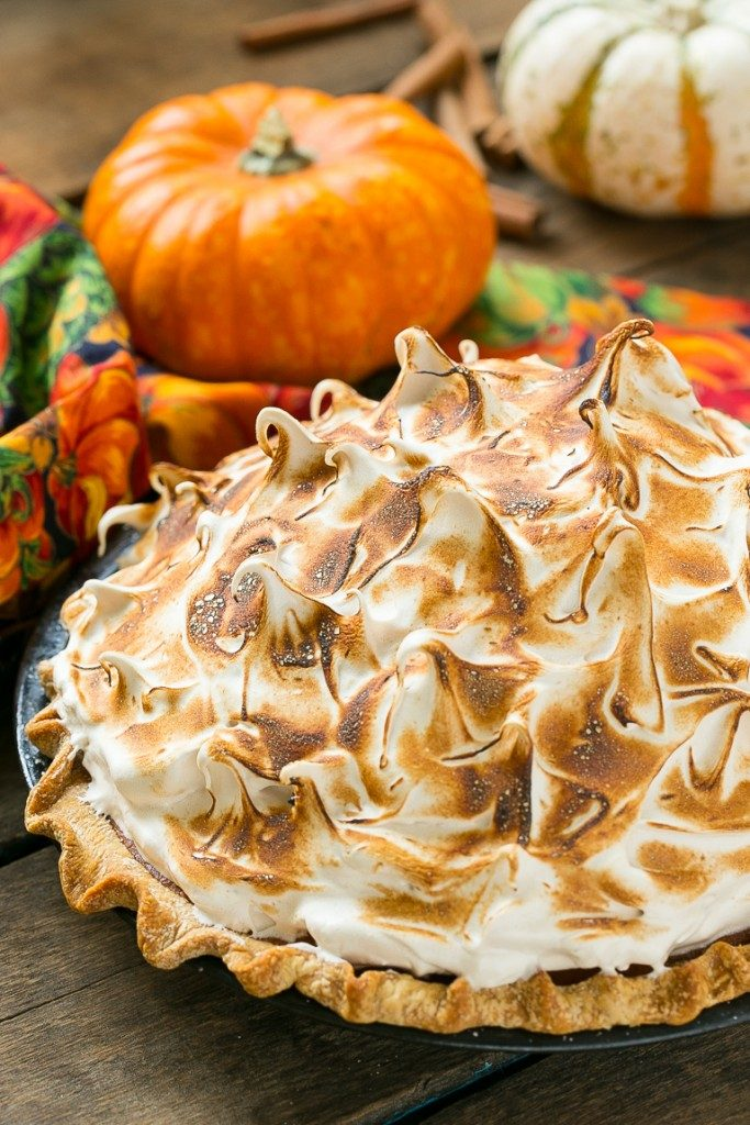 pumpkin-meringue-pie-683x1024