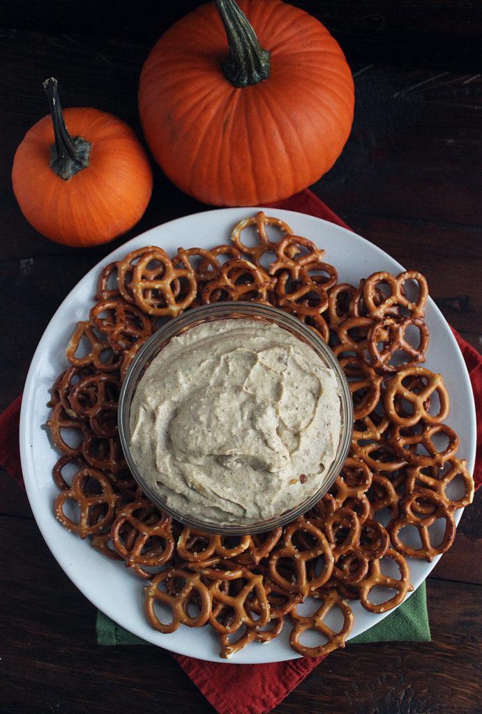 sweet-pumpkin-cream-cheese-dip-3