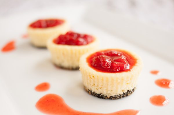 These Easy Mini Cheesecakes are the perfect party food. From wedding receptions to to baby showers, these desserts look gorgeous and taste even better!