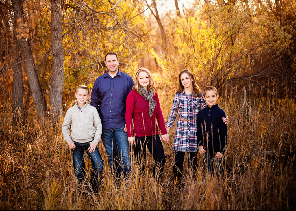 Learn the secrets of the pros for amazing family pictures! This Facebook Live video series will teach you how to take family pictures with great lighting, posing, and more!