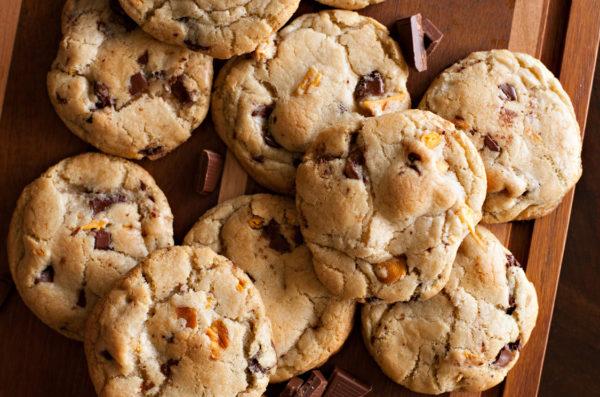 Mango Dark Chocolate Chunk Cookies (RubySnap Copycat)