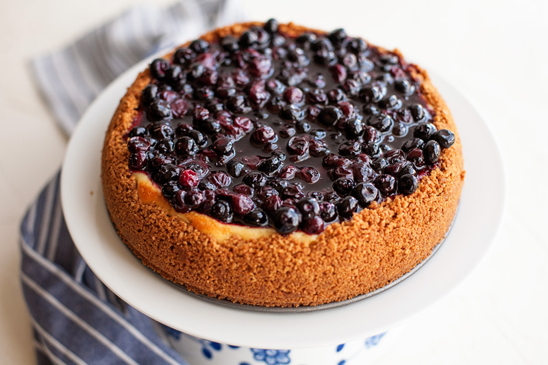 Blueberry cheesecake with blueberry glaze topping