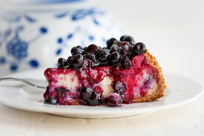 Blueberry Cheesecake with Blueberry Glaze