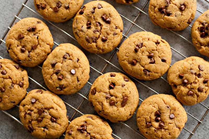 Pumpkin Chocolate Chip Cookies (Vegan)